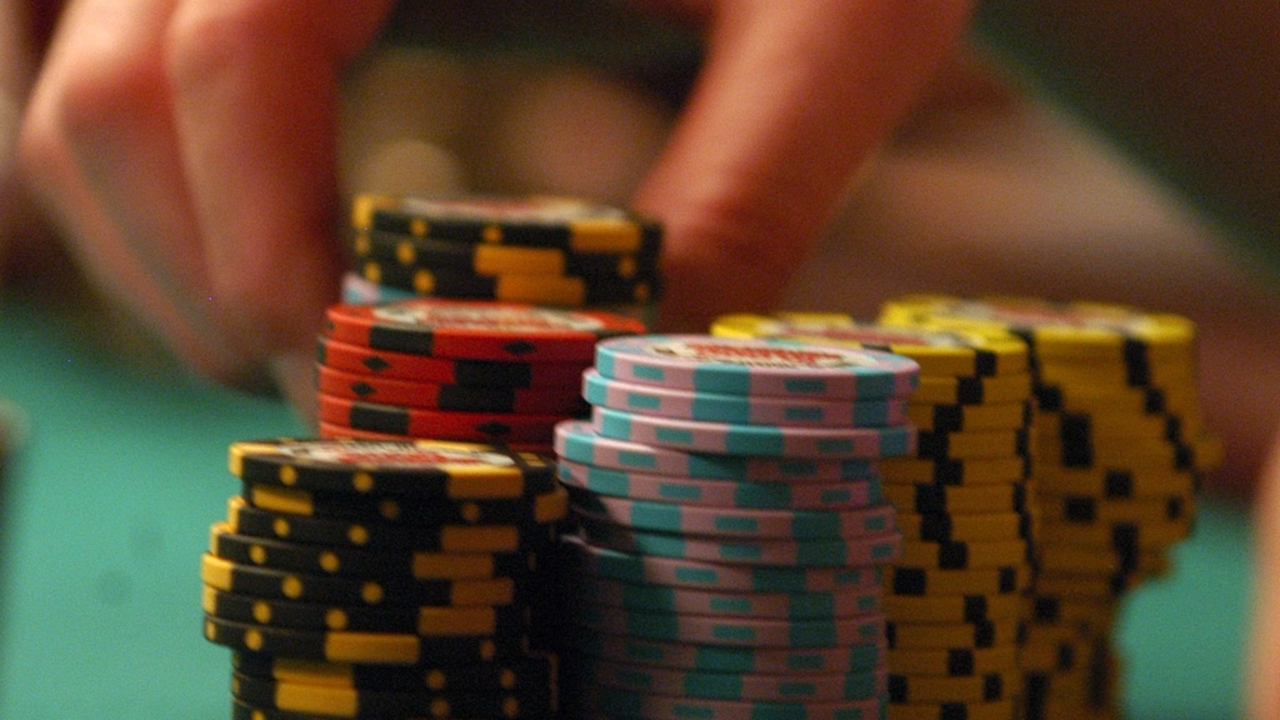 Learn How to Play IDN Poker Asia